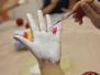 Maľovanie vianočných gúľ a darčekovanie 2016